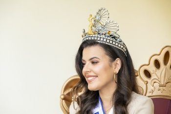 Minerva Hernández, eine Königin, die den Karneval seit ihrer Kindheit lebt