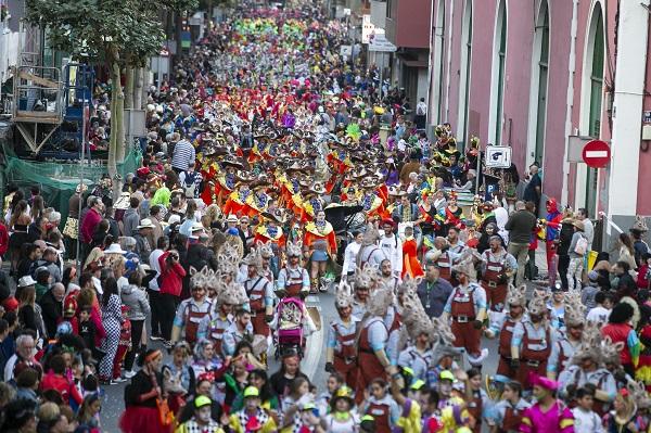La gran cabalgata del Carnaval de «Érase una vez…» saldrá de la plaza Manuel Becerra con 124 carrozas
