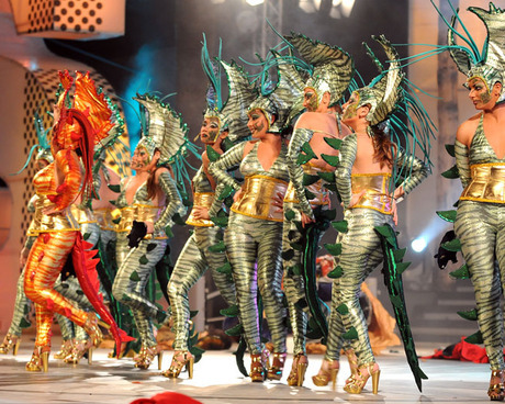 El escenario del Carnaval del Cómic recibe a las mascaritas adultas