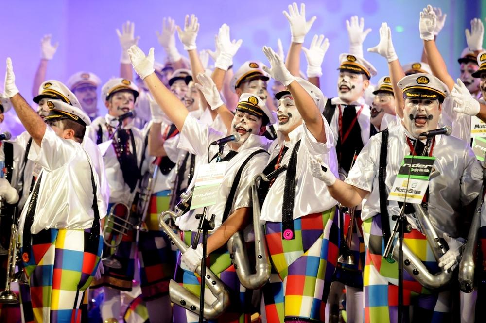 La actuación de Los Serenquenquenes en el concurso de murgas abre mañana el Carnaval de Mar y Cultura