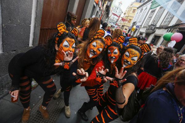 La Trova, Los Lola y la Orquesta Golosina se suman a las mascaritas para celebrar en Santa Catalina el Martes de Carnaval