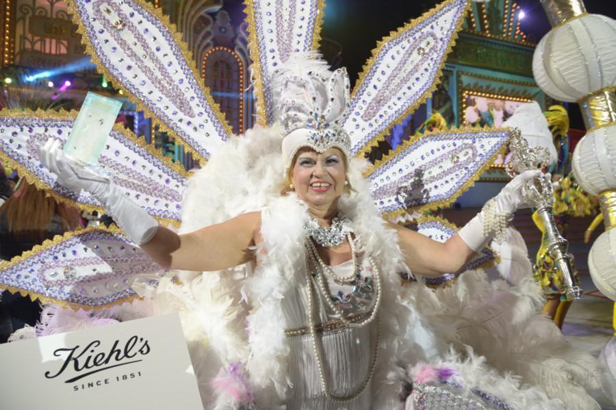 Carmen Martín Ceballos, con la fantasía Flapper Girl, se alza con el título de Gran Dama del Carnaval 2016