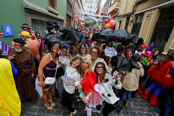 Guaguas Municipales oferta 280.000 plazas de transporte público durante las siete noches más importantes del Carnaval