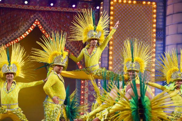 El Carnaval de Las Palmas de Gran Canaria celebra por primera vez un concurso de comparsas con doce grupos participantes