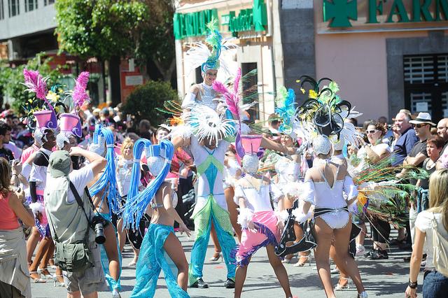 Santa Catalina celebra el Carnaval de día con pasacalles, desfile de disfraces y música en directo