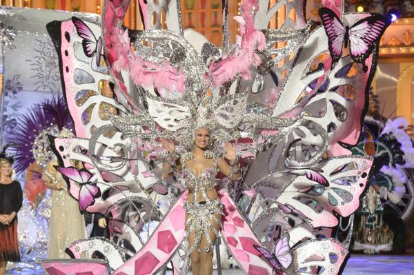 El Carnaval de Los locos años 20 corona a su Reina, Paula Miranda