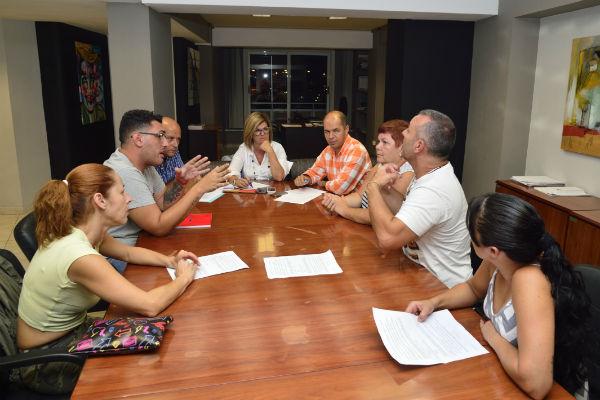 Inmaculada Medina se reúne con la recién constituida Federación de comparsas, COMCARNAVAL