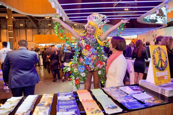 Un Drag Queen, embajador en FITUR  del Carnaval de La eterna primavera