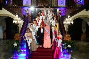 La ciudad ya conoce a las catorce candidatas a Reina del Carnaval de Los 60. La eterna primavera