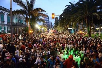 La gran Cabalgata del Carnaval de la magia y las criaturas fantásticas recorre la ciudad con  117 carrozas