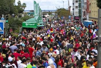 El Ayuntamiento lanza una nueva convocatoria para optar a un chiringuito en el Carnaval de día en Vegueta