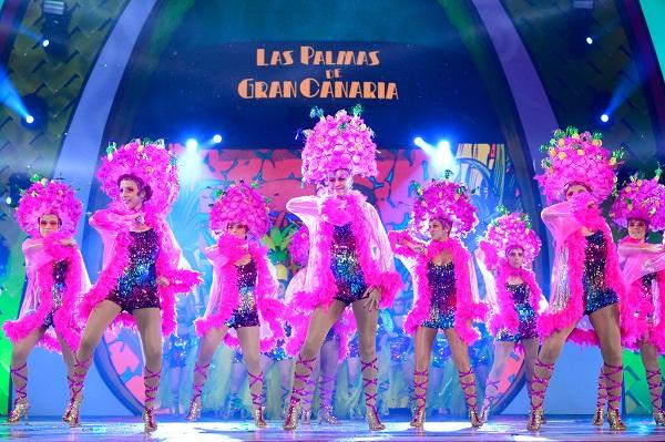 Cristo Manuel García Ramos, en la categoría individual, y Mamachicho, en la de grupos, ganan el concurso de disfraces de «Una noche en Río»