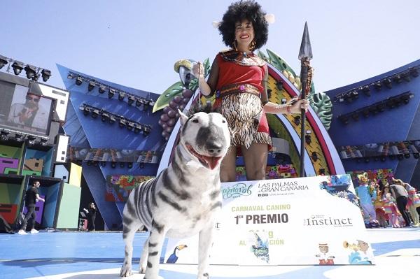 Milka, con un disfraz alternativo de 'body painting', nueva mascota de la corte de «Una noche en Río»