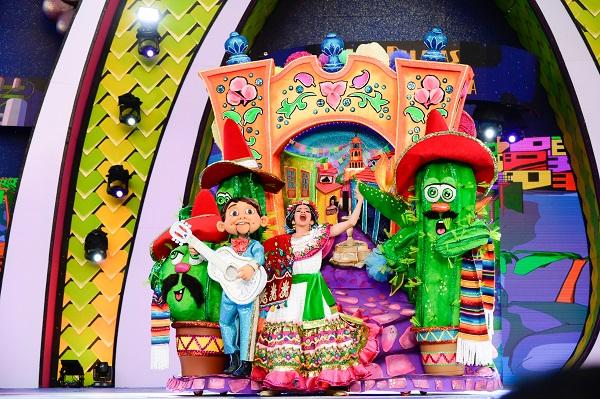 El Carnaval de «Una noche en Río» corona a su Reina infantil, Náyade Pérez Castro