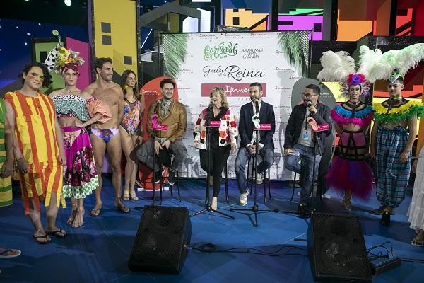 Los carnavales de Río y Las Palmas de Gran Canaria funden su fiesta en la gala de la Reina