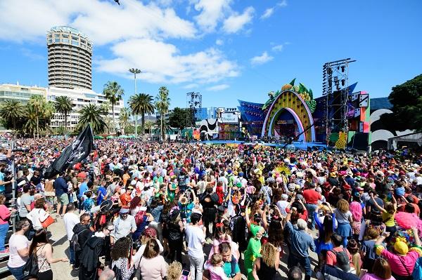Casi 600.000 personas celebraron la fiesta del Carnaval de «Una noche en Río» en Las Palmas de Gran Canaria