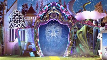 Un majestuoso espejo sobre el escenario de Santa Catalina invitará a la ciudad a caer bajo el hechizo del Carnaval y formar parte de un cuento