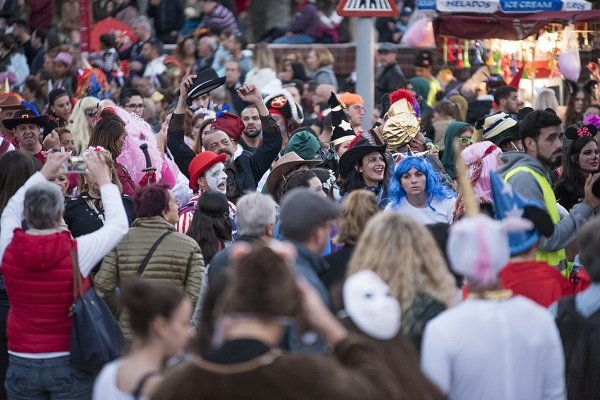 El Ayuntamiento abre mañana el plazo para optar a un puesto de comida o de golosinas en la zona de ocio del Carnaval