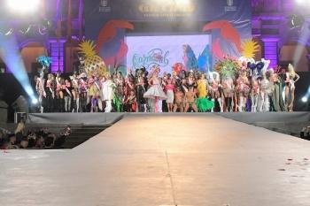 La corte de candidatos al trono del Carnaval desfilará en Mesa y López